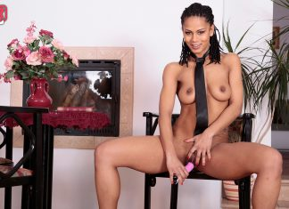 Isabela Chrystin – Playing In His Tie