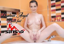 Daphnee Angel – Bath Fun