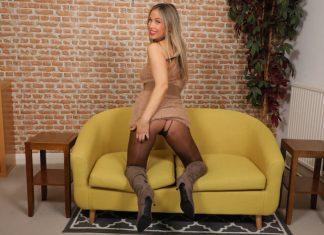 Blondie Rose – Leggy Blonde Strips to Pantyhose