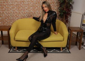 Blondie Rose – Rose in and Out of Latex Bodysuit