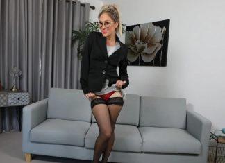 Samantha – Sexy Secretary