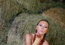 Ornela Morgan Is Out In The Barn In The Middle Of The Night Getting Naked In VR