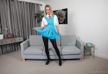 Lauren Louise – Pantyhose and Shaved Pussy
